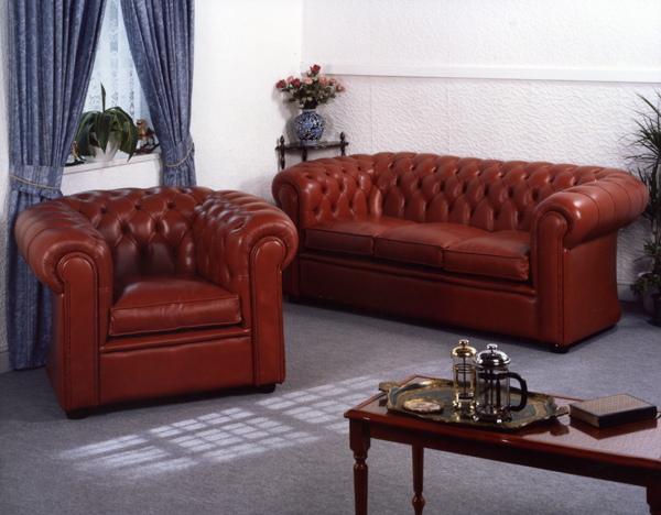 Click to see larger picture of Curved Chesterfield